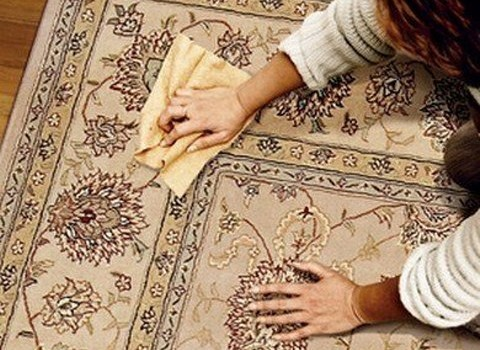 Как почистить шелковый ковер